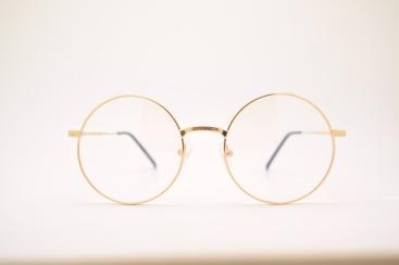 glasses-415256_1920